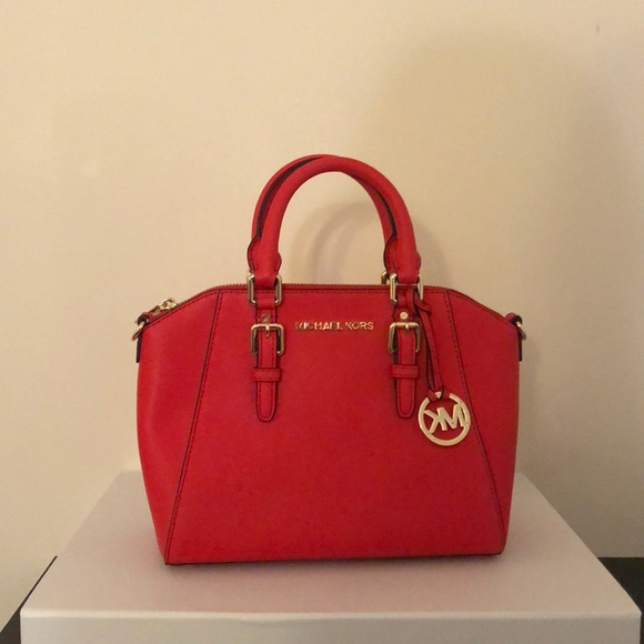 Michael Kors Handbags - Michael Kors Ciara medium messenger bag NWT